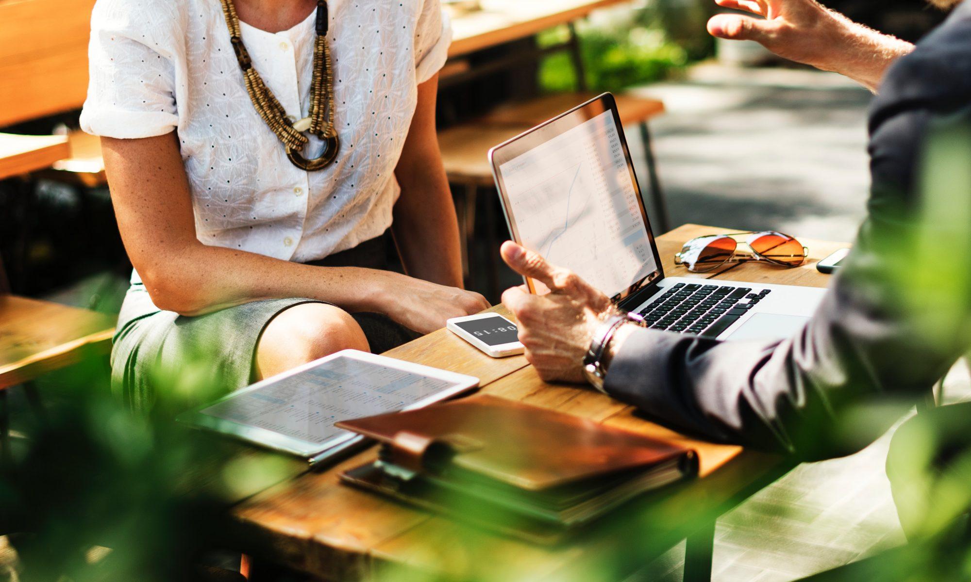 πολιτική κατά των γνωριμιών στον χώρο εργασίας