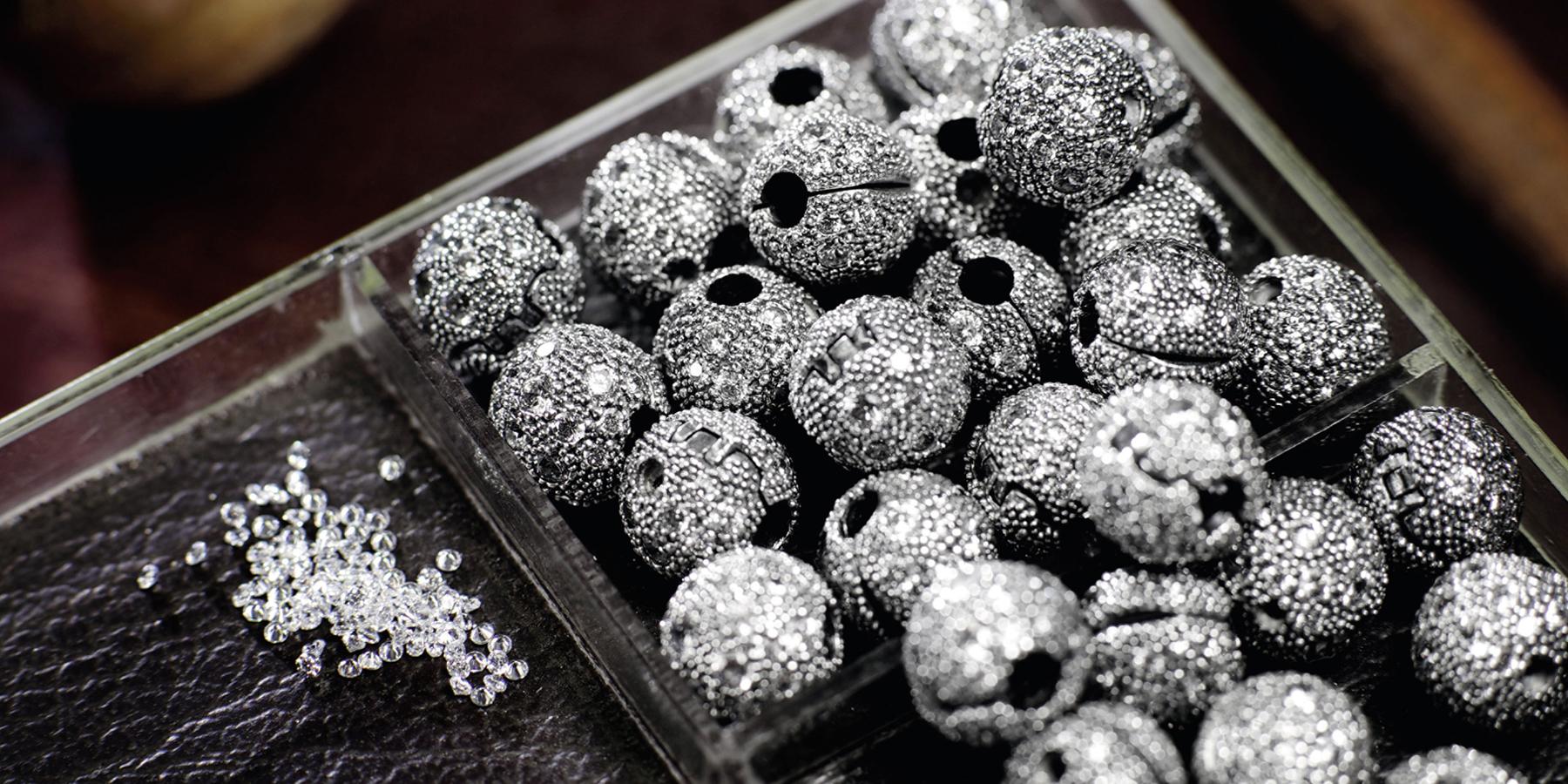 Κοσμήματα γένους θηλυκού – longform.protothema.gr 2876586063f