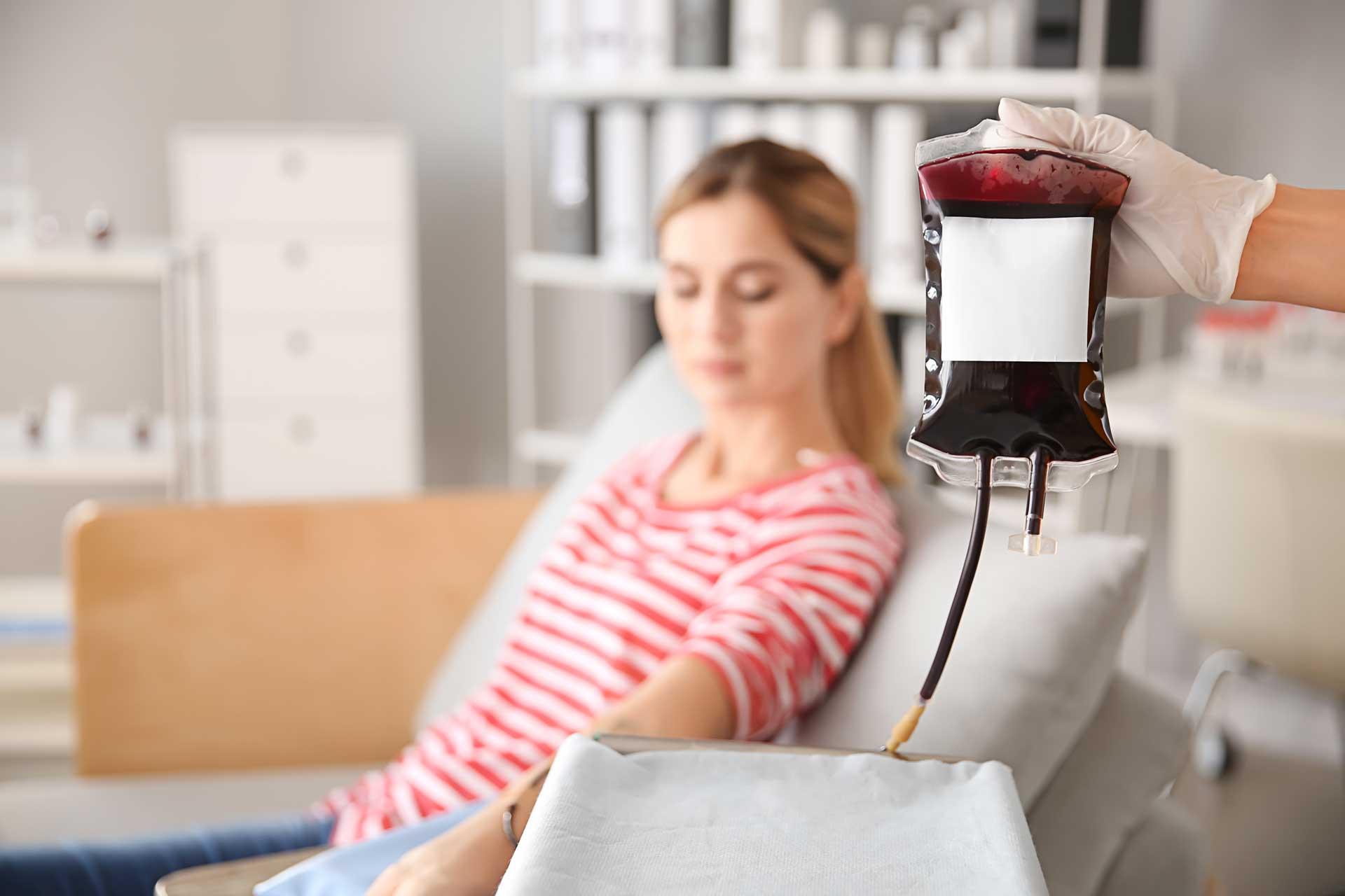Όσο φυσικό είναι να πίνεις νερό, τόσο φυσικό είναι να δίνεις αίμα» –  longform.protothema.gr